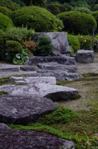 峰寺の飛石