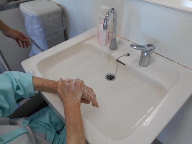 手を洗いましょう (1)