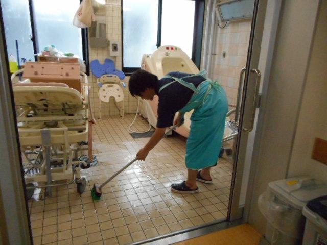 入浴介助後の掃除