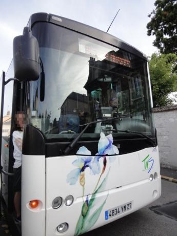ジヴェルニー行きのバス!