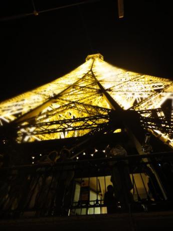 展望台から見たエッフェル塔!