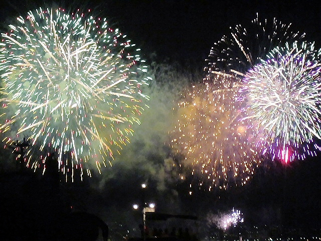 数年ぶりに『みなと神戸海上花火大会2012』に行ってきました♪