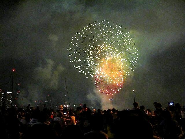 久々に大学飲み会のあとはメリケンの花火を兵庫港で観ました。。