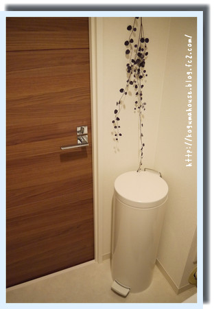 トイレ一角ゴミ箱