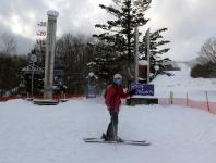 最終日は暖かく 2℃ゲレンデ(下) 積雪山頂2m
