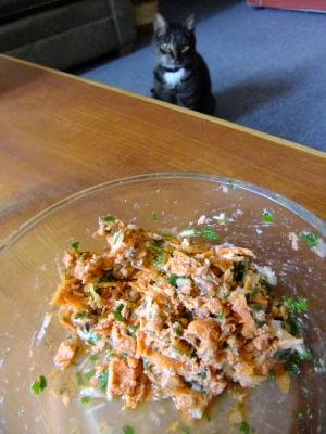 canned+salmon_convert_20120904123519.jpg