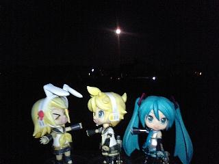 リン:「月がぁー出た出たぁー、月がぁー出たぁー、ァよいよい!!」...