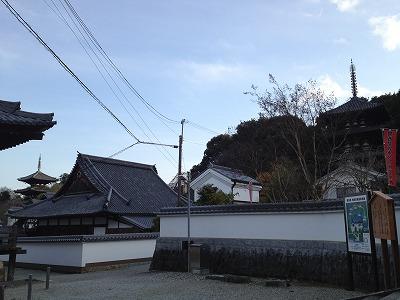 当麻寺は2つの三重塔で知られています