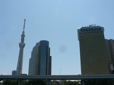 タワーの右は墨田区役所、その右はアサヒビール本社です
