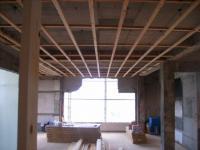 1階天井レベル調整(天井をまっすぐする。)