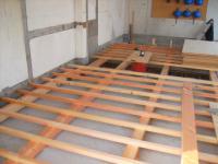 2階床下地組