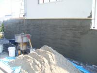 駐車場壁下地塗防水剤入り(2層目)