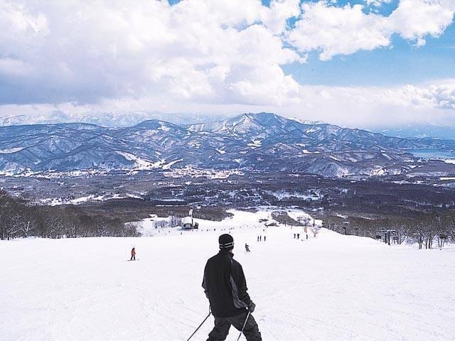 妙高池の平スキー場から