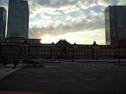 東京駅夜明け