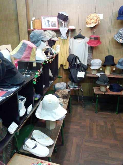 帽子屋さん (1)