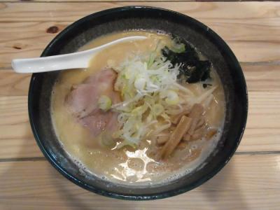 北海道らーめん 三味(札幌味噌らーめん¥700)