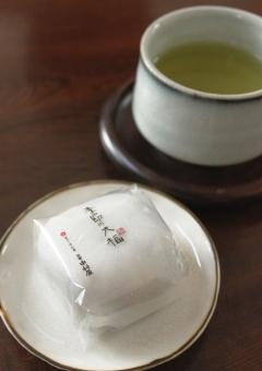 お茶といちご大福