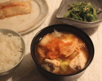 キムチ入り味噌汁