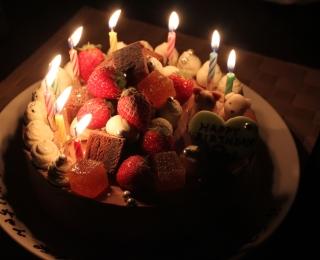 キャンドル9本のケーキ