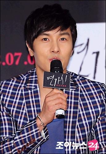 kstarnews_entame1304655648_0-enlarge.jpg