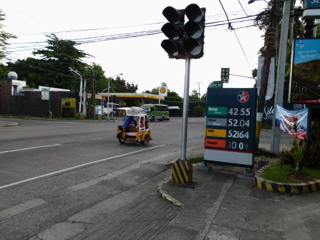 ガソリンスタンド (6)