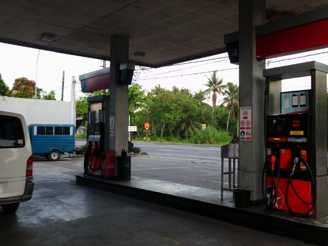 ガソリンスタンド (4)