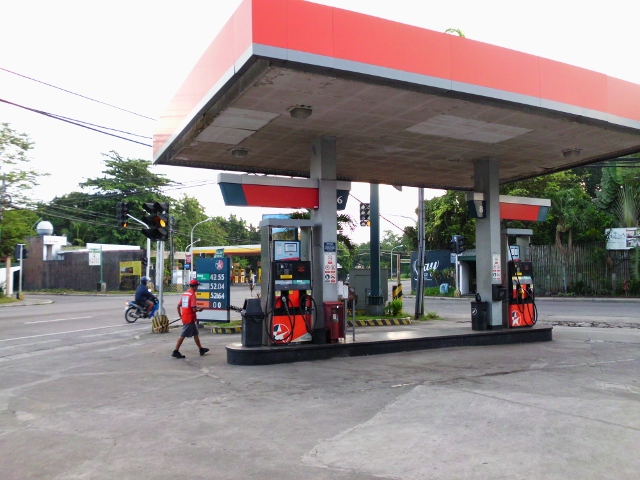 ガソリンスタンド (7)