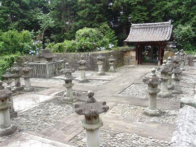 東御廟所門2