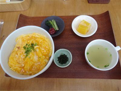 親子deうふ(親子丼)