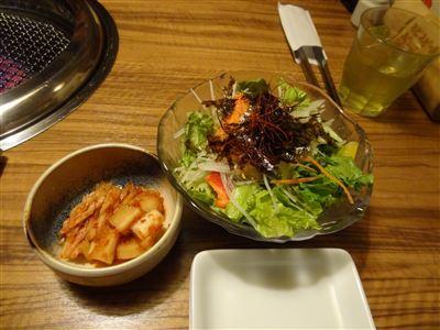サラダとキムチ