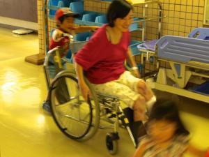 20131006車椅子押すKAN太