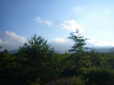 24日4北軽へ向かう車中から浅間山