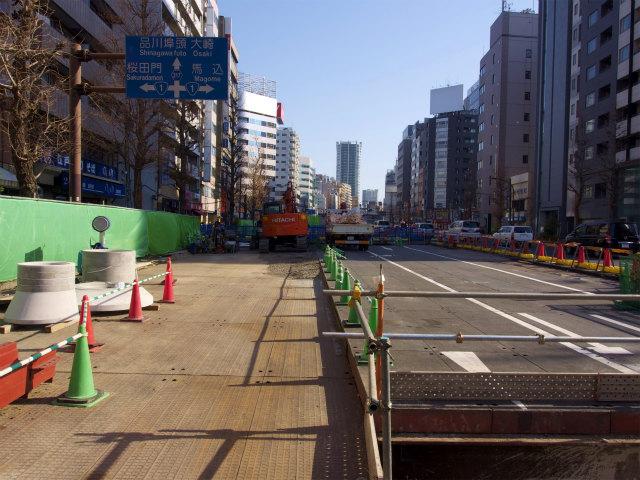 五反田換気所は道路中央の地下に設置されます。