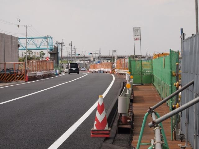 拡大して。新行徳橋が見えます。ずいぶんスッキリしました。