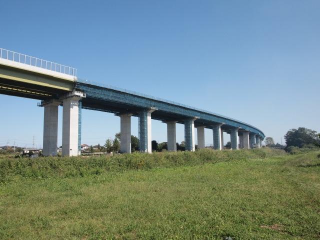 東北新幹線高架下から宇都宮線方面。