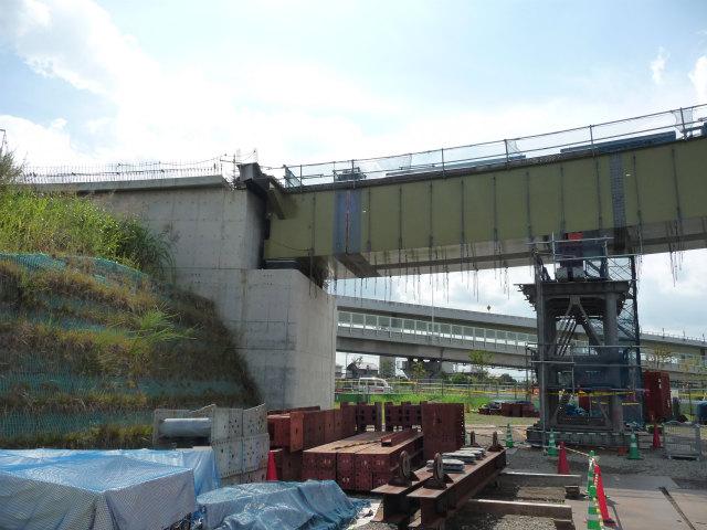 Fランプの橋台。ここが一番カーブがきつそう。