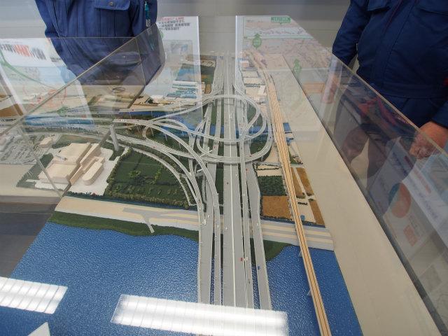 高谷JCTの模型。首都高が接続路の負担をしないと、某道路会社の方が愚痴っていましたw