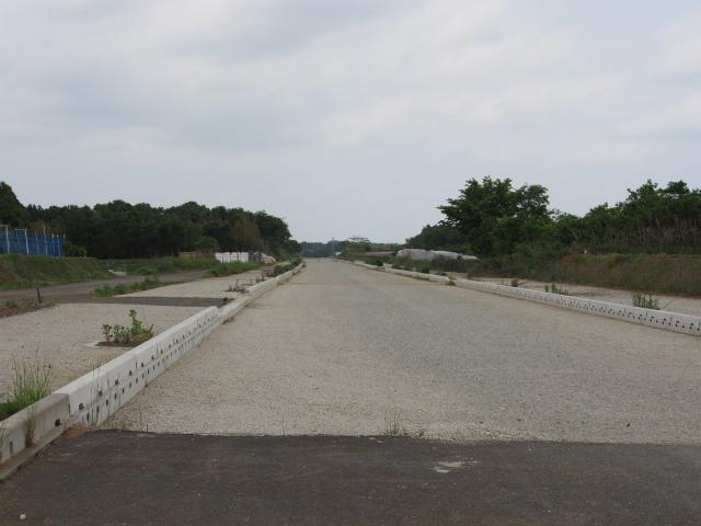 稲敷インターから江戸崎新利根線の延伸部。