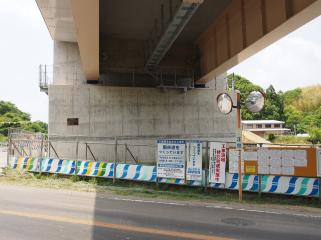 土浦稲敷線との交差部。