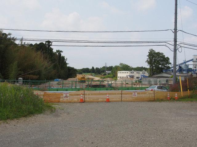 交差する道路は江戸崎下総線。どんな工事になるのかな?
