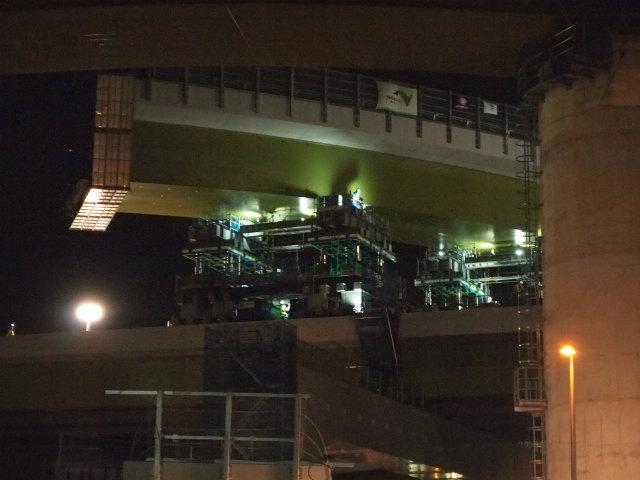 久喜白岡JCTで最後の通行止めによる架設工事です