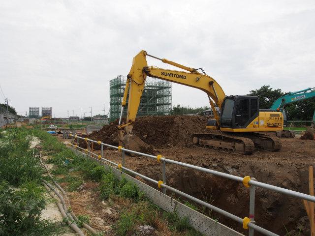 桶川インター方面。こちらは絶賛建設中。