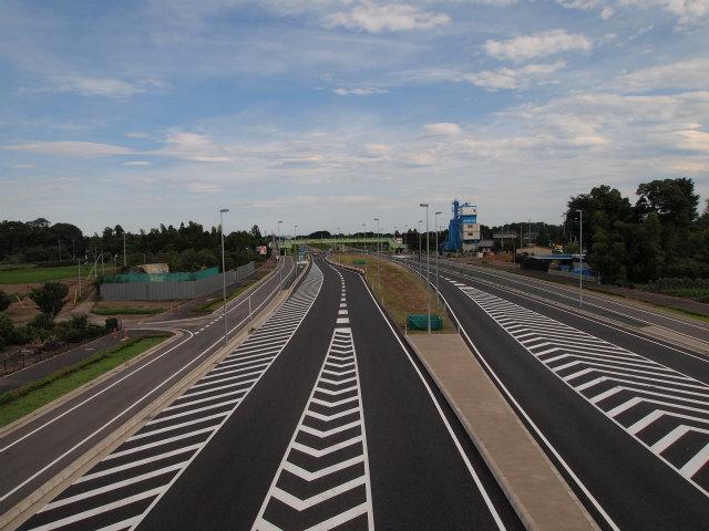 供用中の上尾道路。