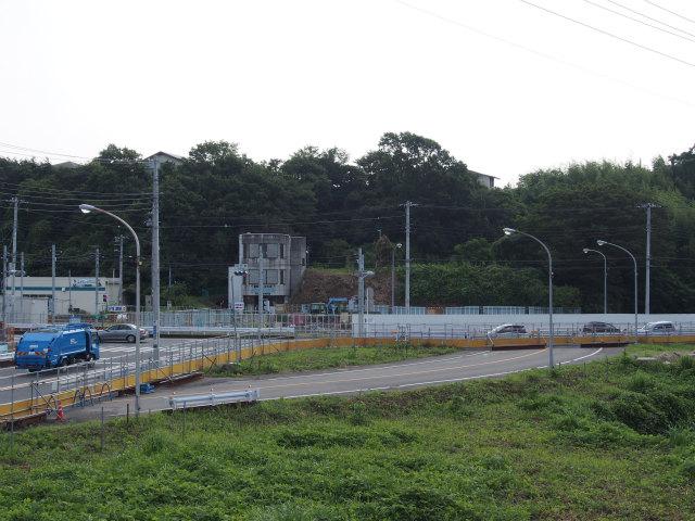 環状4号線の神戸橋付近。この辺りは高架橋の予定。