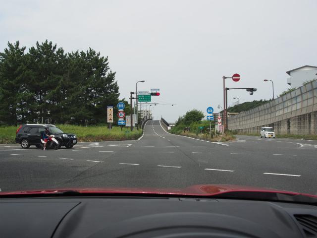 新湘南バイパス入口。
