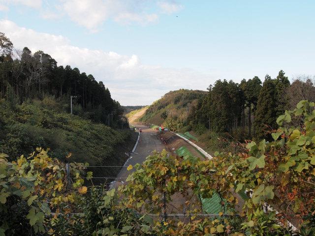跨道橋の上から木更津東インター方面。