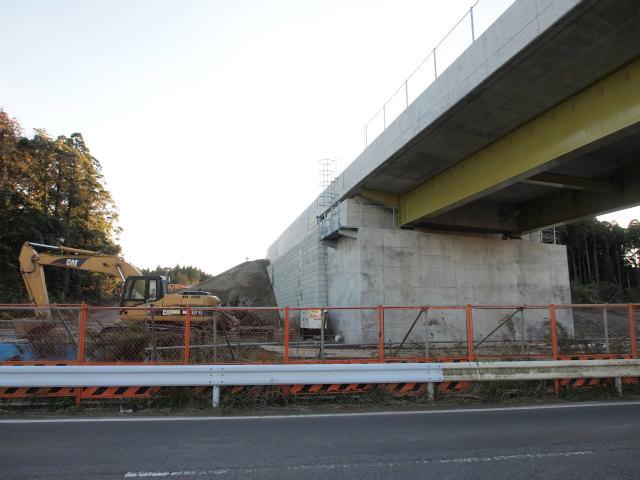 県道83号の山田台大網白里線との交差部。
