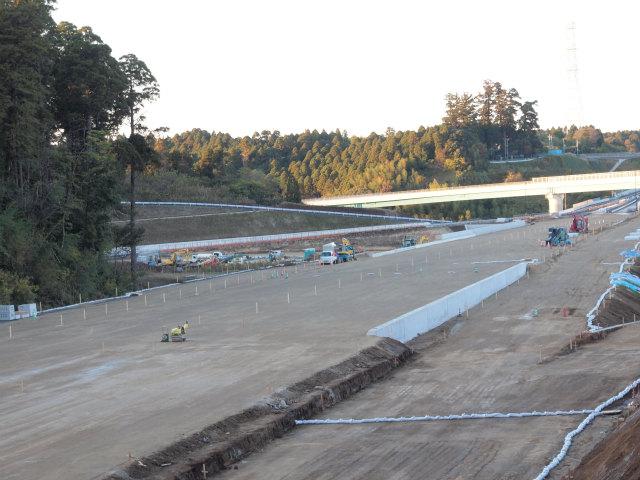 左側が千葉東金道路の山田インター方面になります。