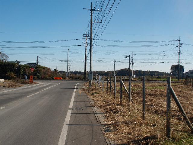菅谷の定点撮影地点。県道125号中里坂東線との交差付近。