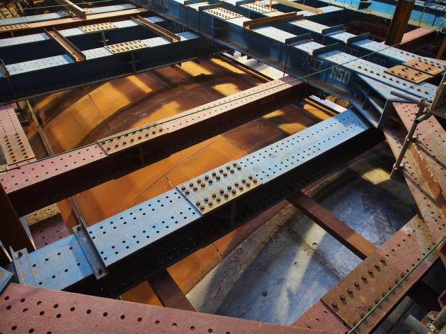 種類の違うセグメント。鉄の部分は撤去されて換気所構造物と一体となります。